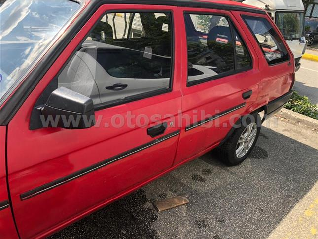 1994 model Skoda formen LX station wagon